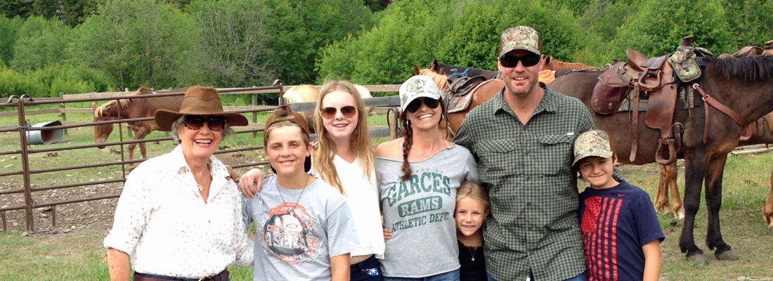 Family trail rides on horses in Montana